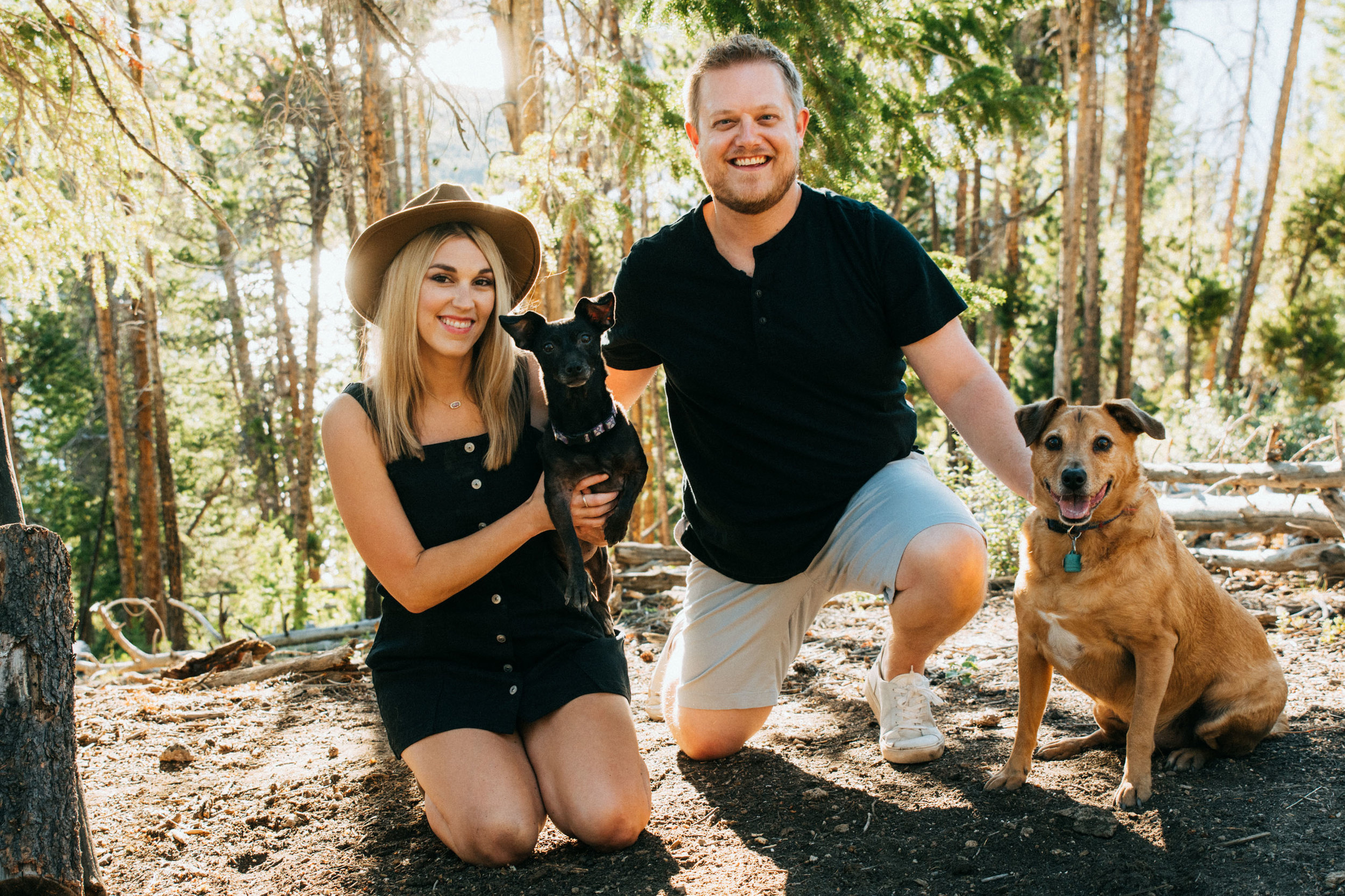 17-Dogs_at_Engagement_Photos_Minnesota.jpg