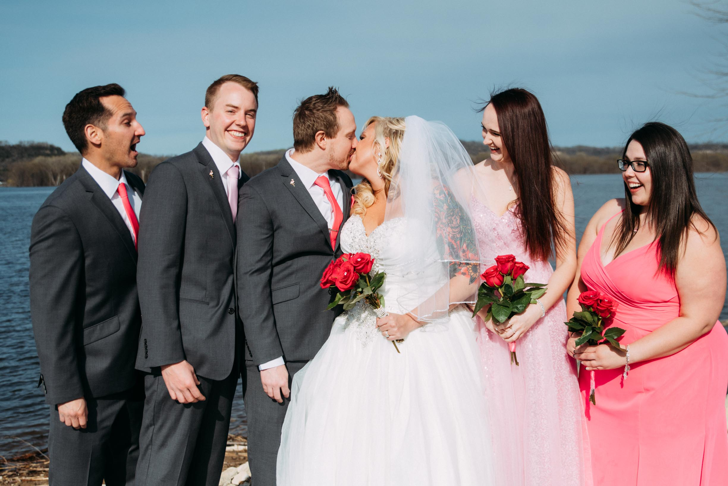 17-Minneapolis_Wedding_Photographer_Trevor_and_Elisebeth.jpg