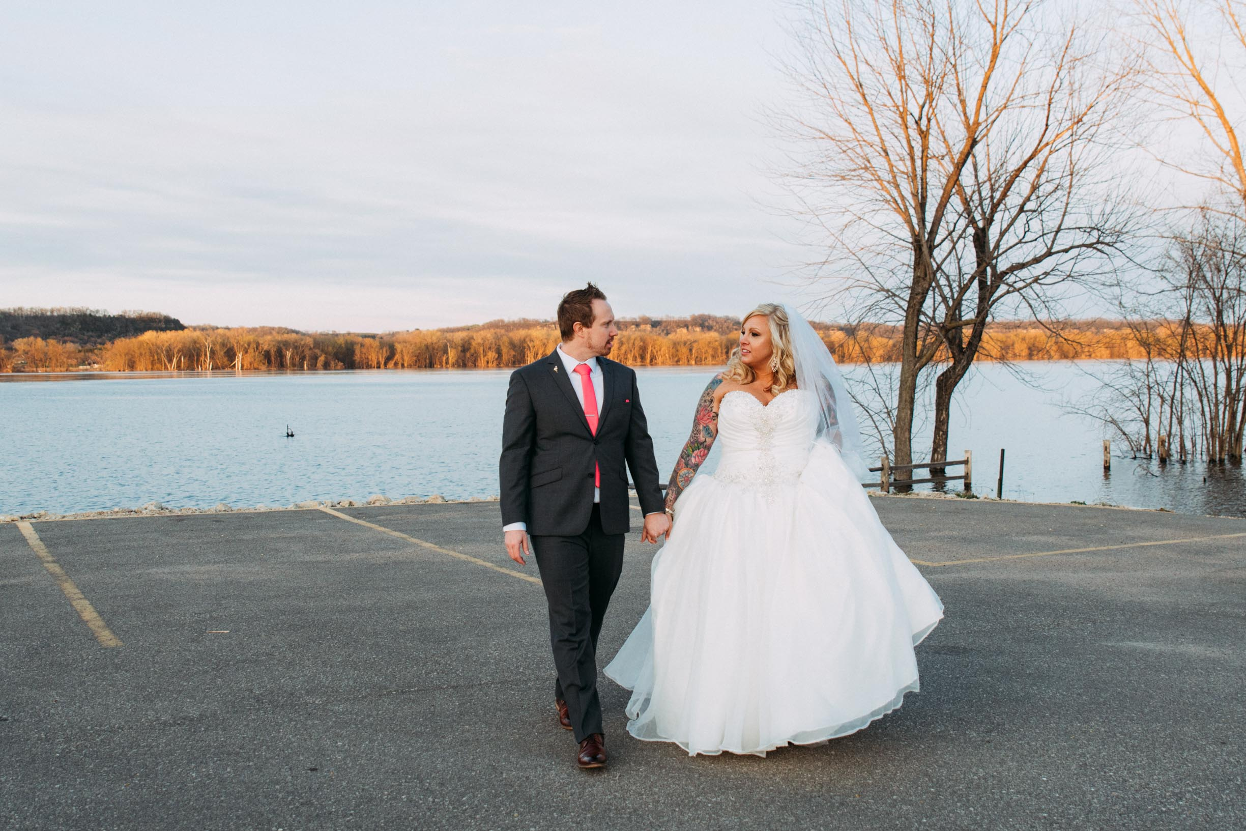 31-Minneapolis_Wedding_Photographer_Trevor_and_Elisebeth.jpg