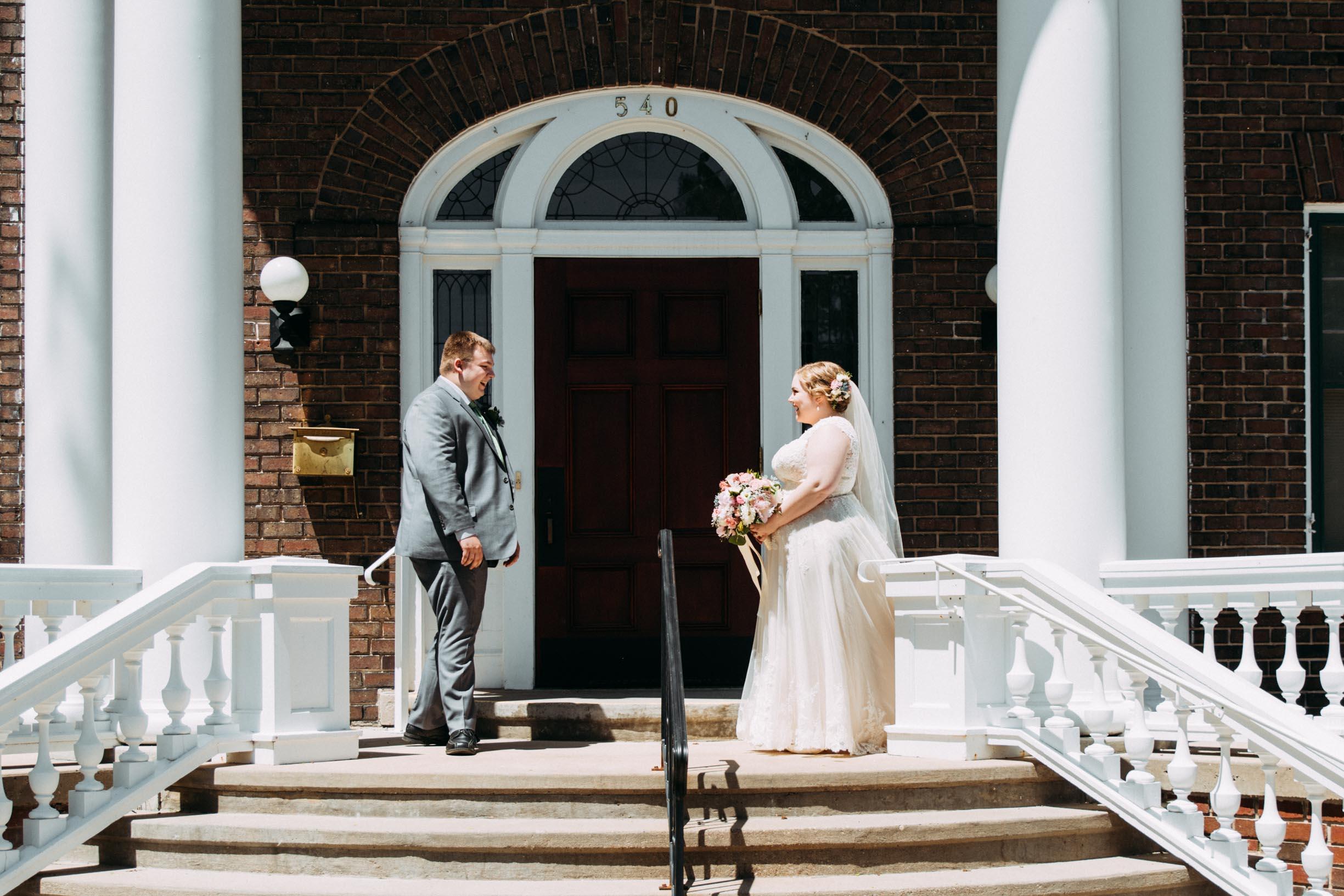 Hannah_Brandon_Wisconsin_Wedding_First_Look-11.jpg