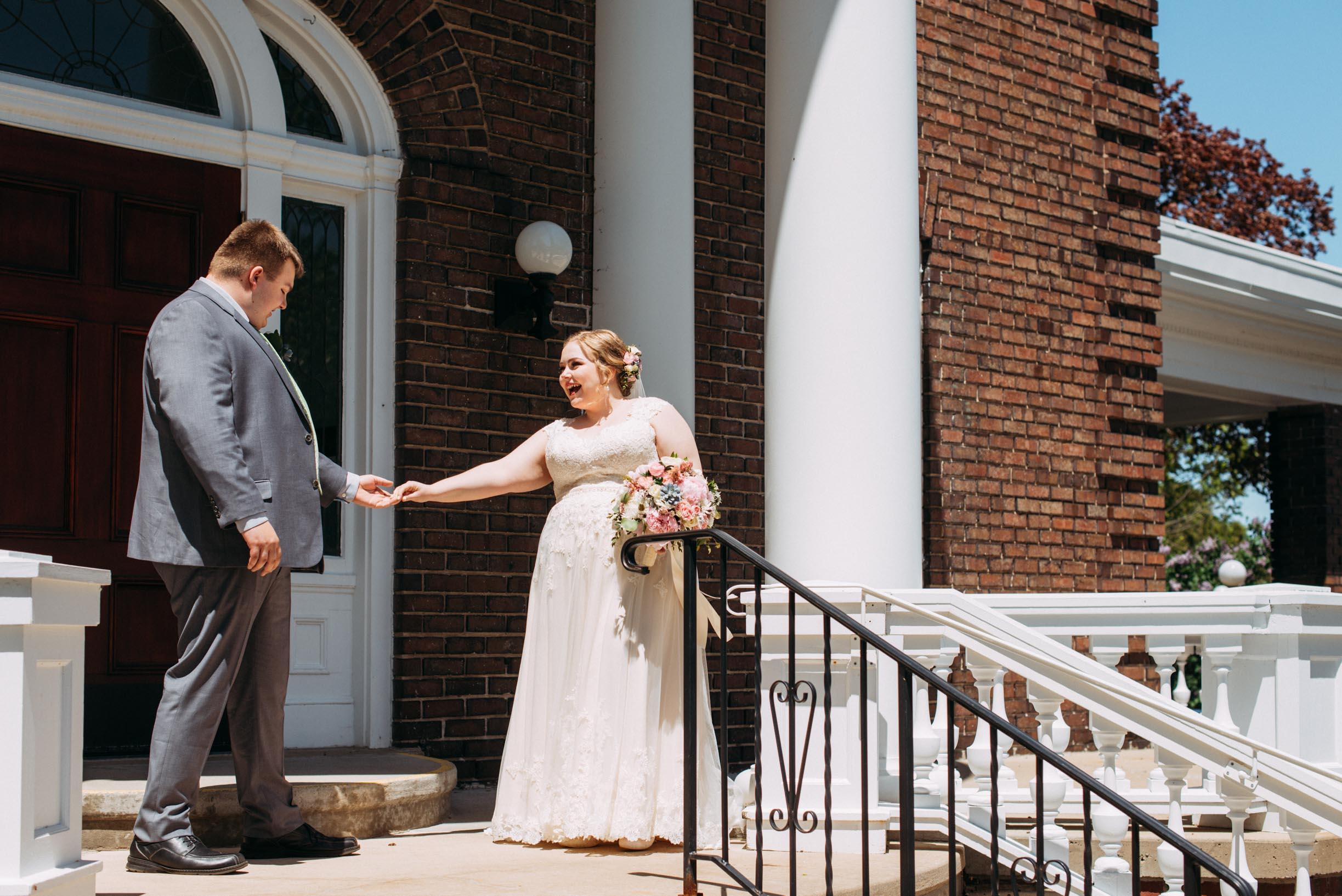Hannah_Brandon_Wisconsin_Wedding_First_Look-12.jpg