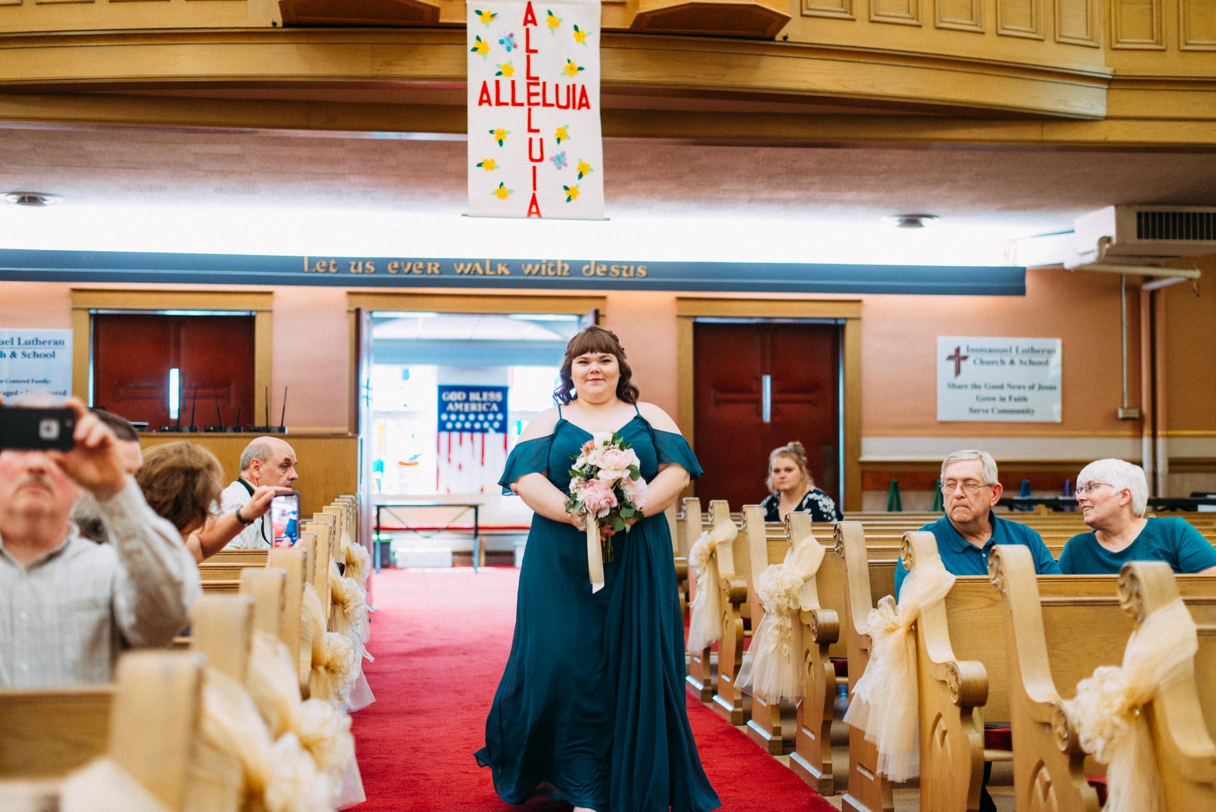 Hannah_Brandon_Wisconsin_Wedding_Ceremony-19.jpg