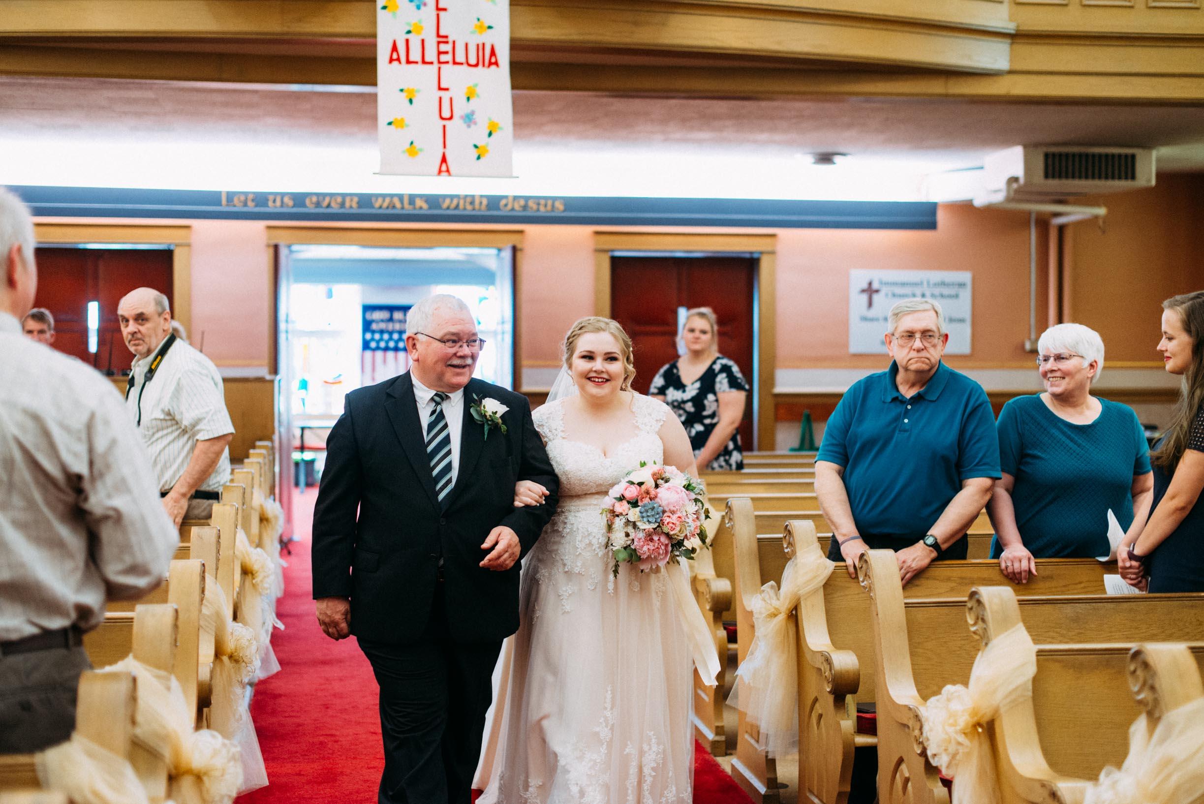 Hannah_Brandon_Wisconsin_Wedding_Ceremony-20.jpg