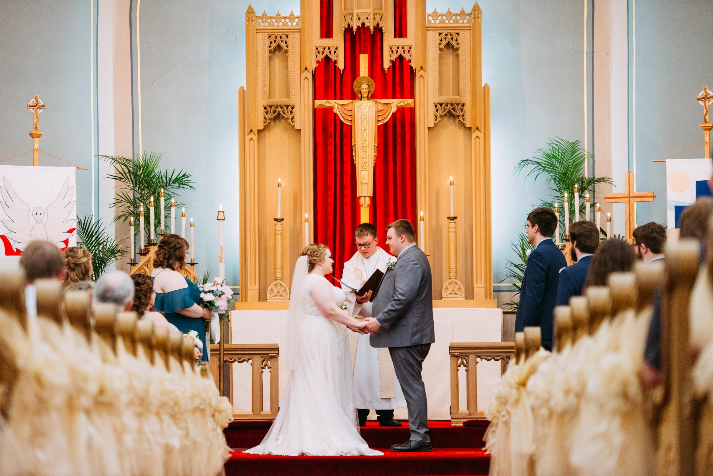 Hannah_Brandon_Wisconsin_Wedding_Ceremony-22.jpg