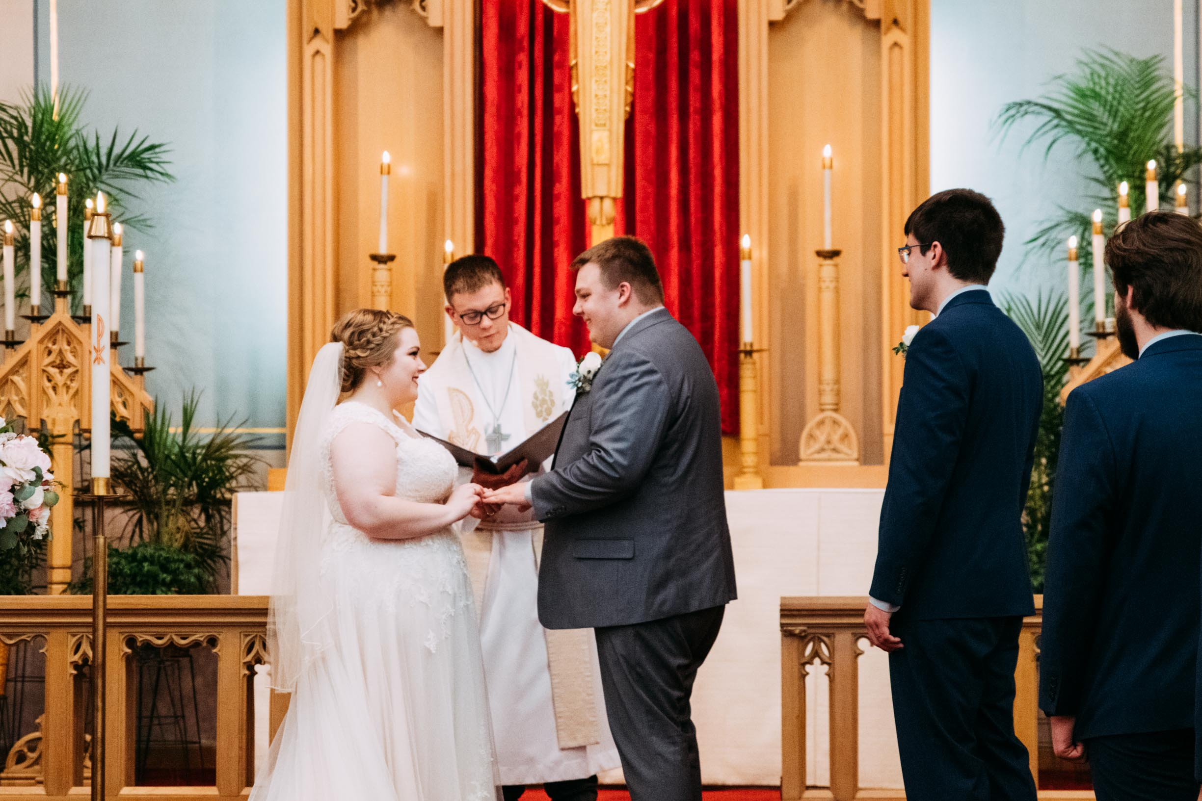 Hannah_Brandon_Wisconsin_Wedding_Ceremony-23.jpg