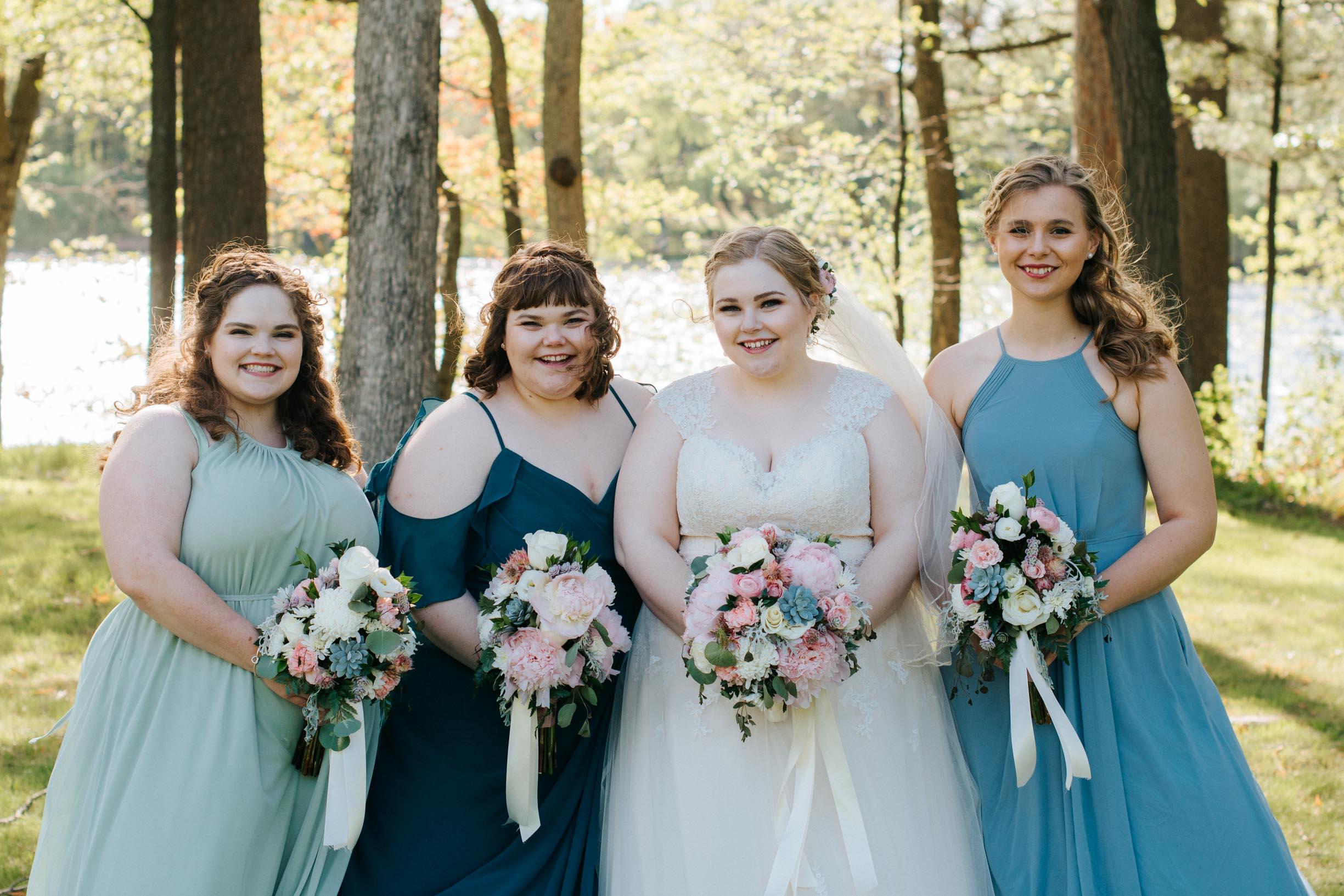 Hannah_Brandon_Wisconsin_Wedding_Party_Portraits-32.jpg