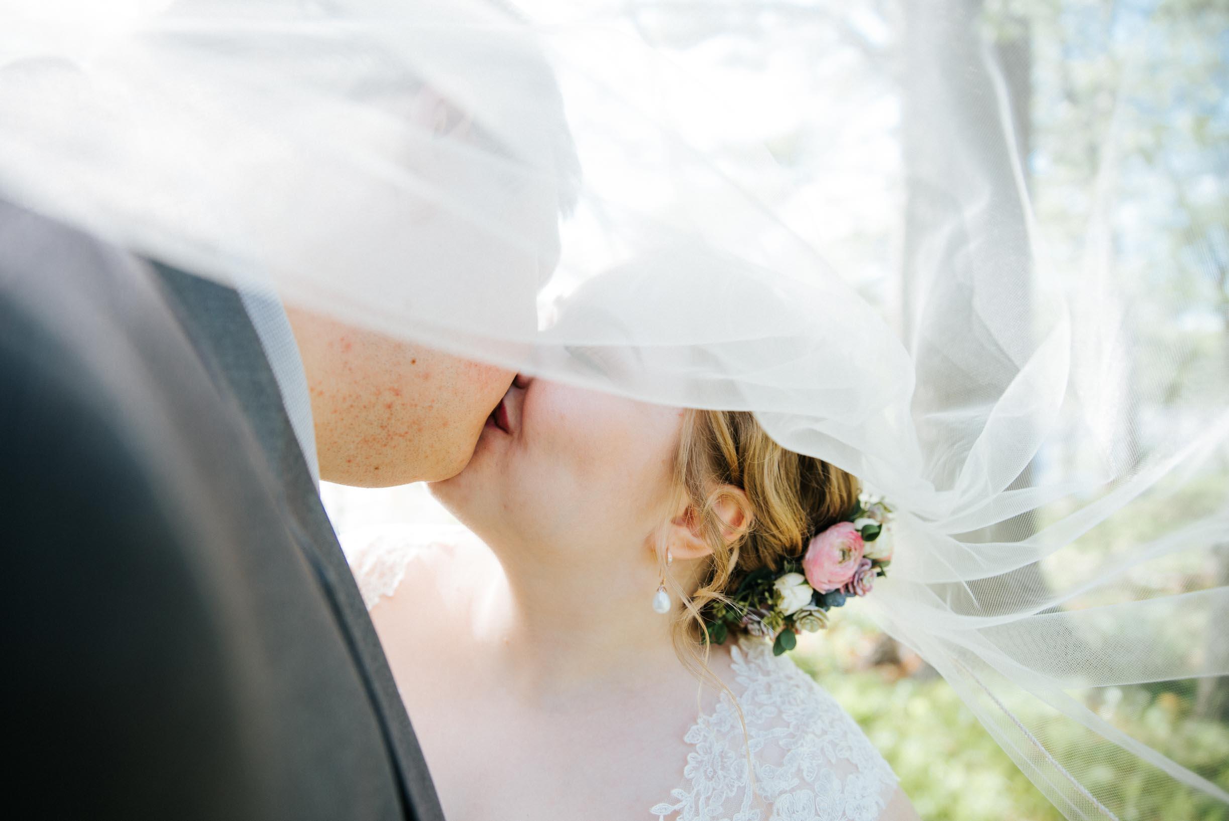 Hannah_Brandon_Wisconsin_Wedding-34.jpg