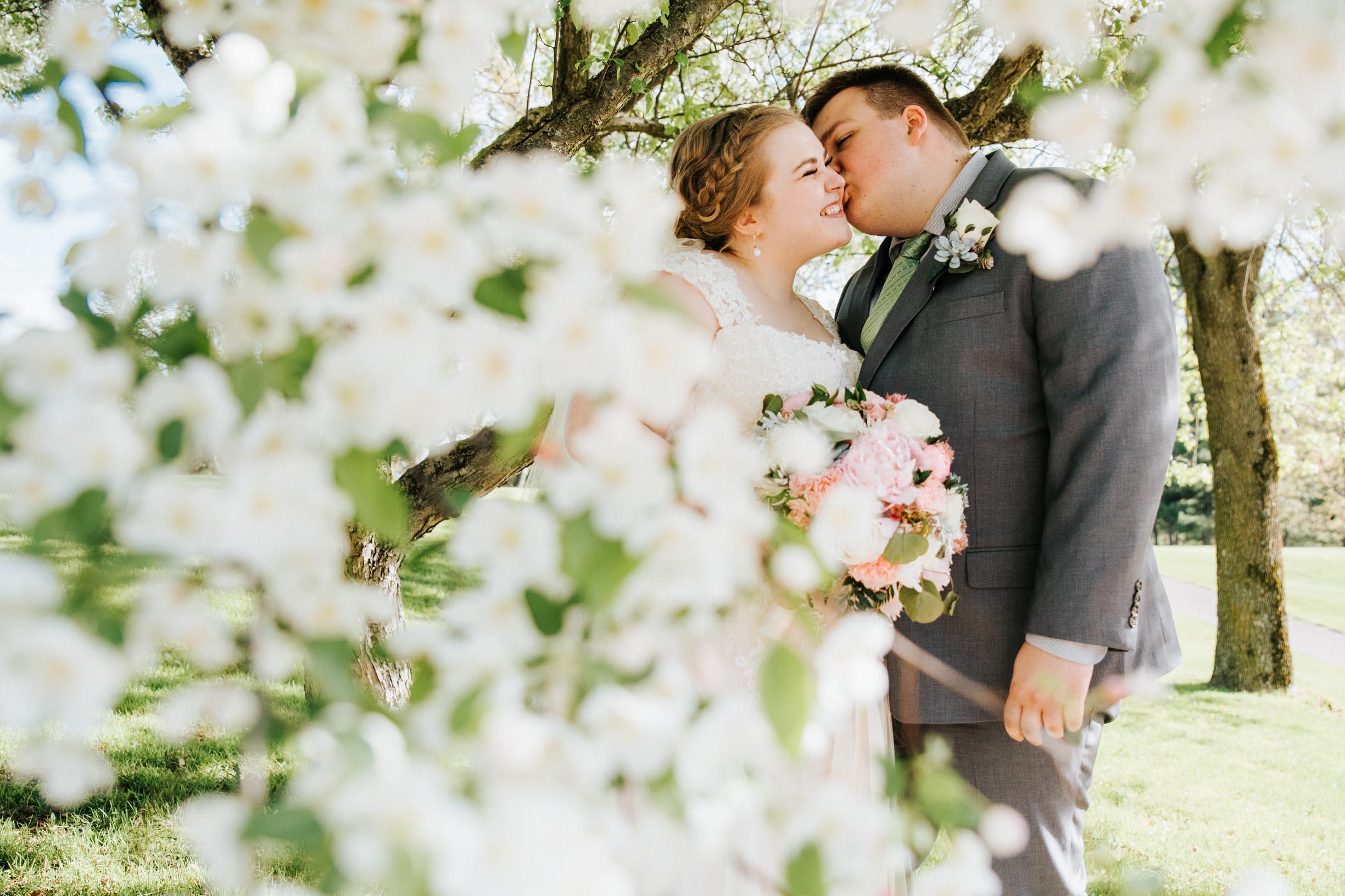 Hannah_Brandon_Wisconsin_Wedding-35.jpg