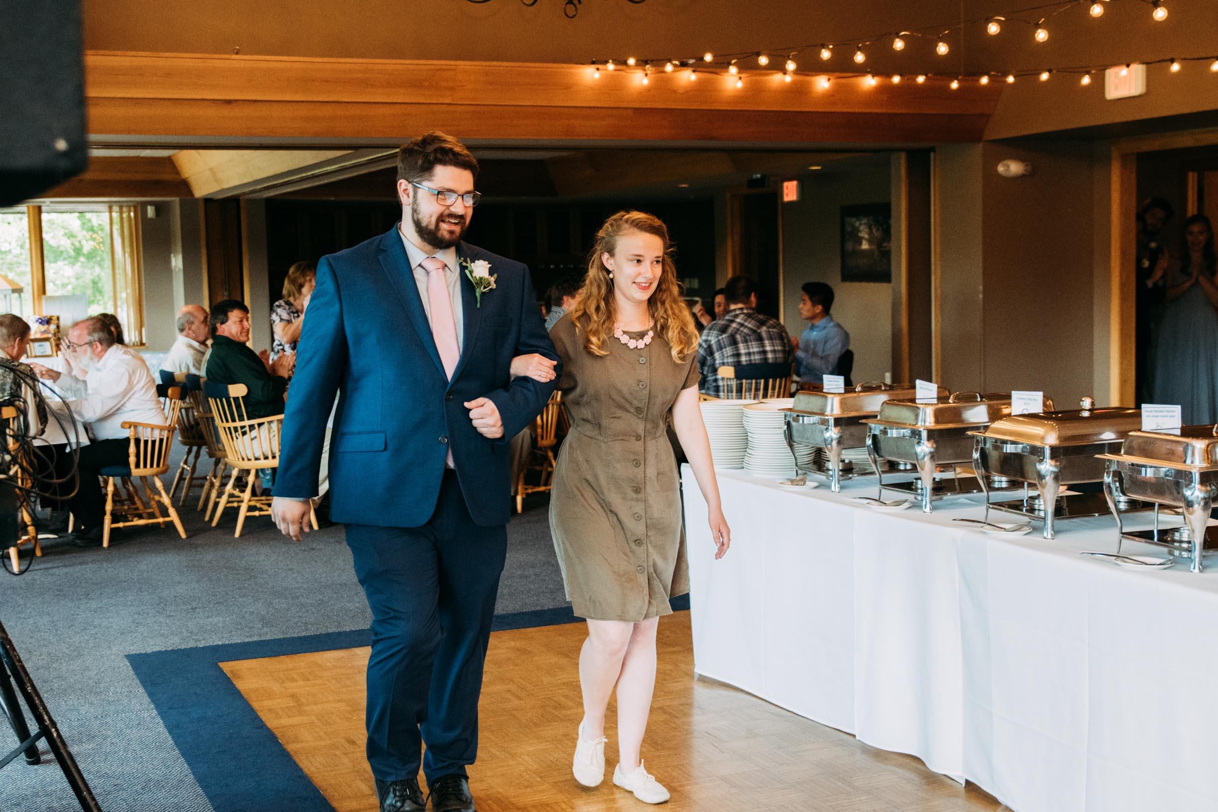 Hannah_Brandon_Wisconsin_Wedding-40.jpg