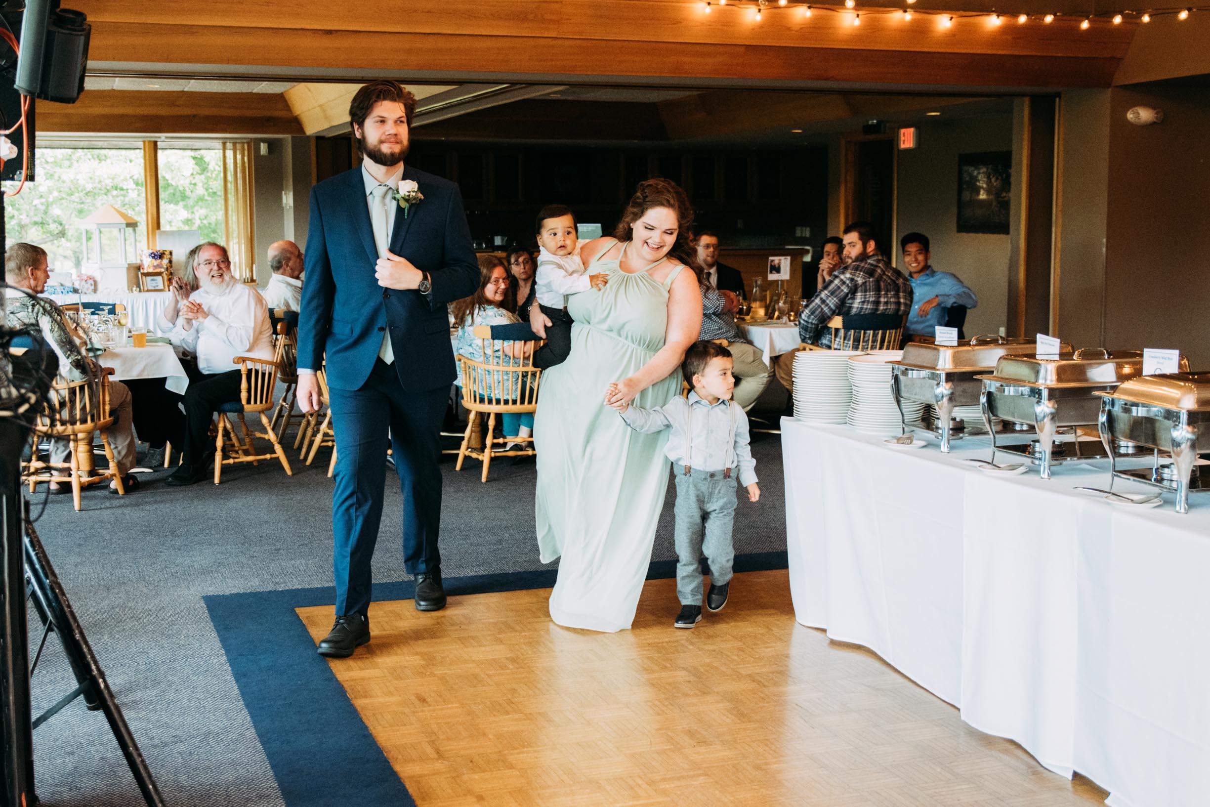 Hannah_Brandon_Wisconsin_Wedding-42.jpg