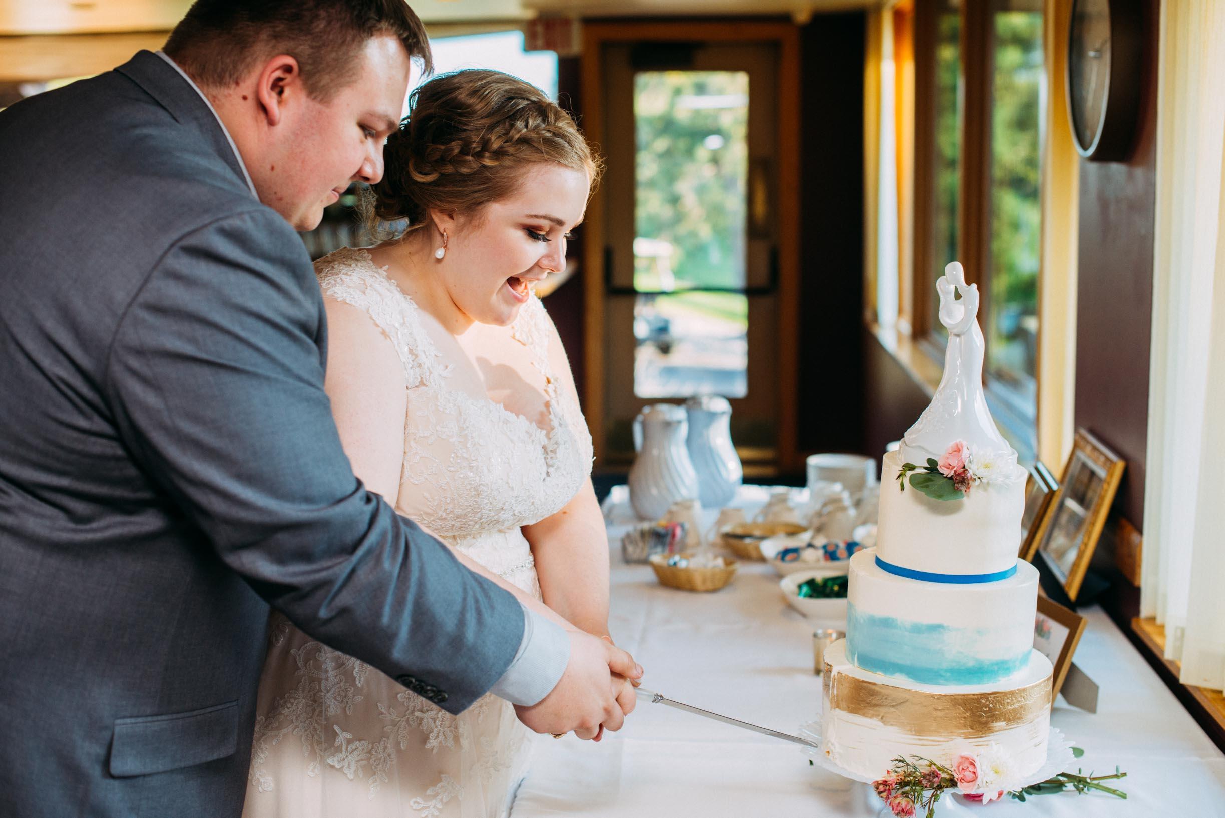 Hannah_Brandon_Wisconsin_Wedding-45.jpg