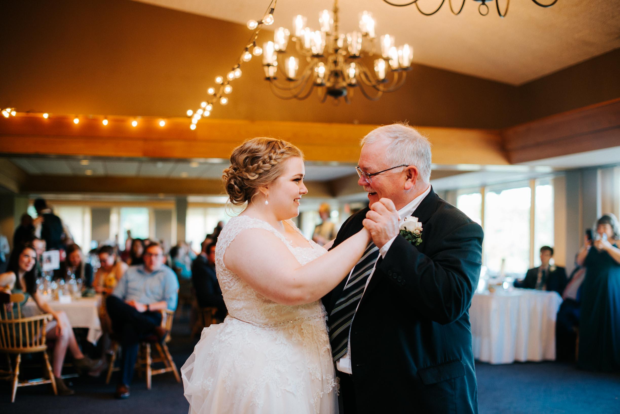 Hannah_Brandon_Wisconsin_Wedding-50.jpg