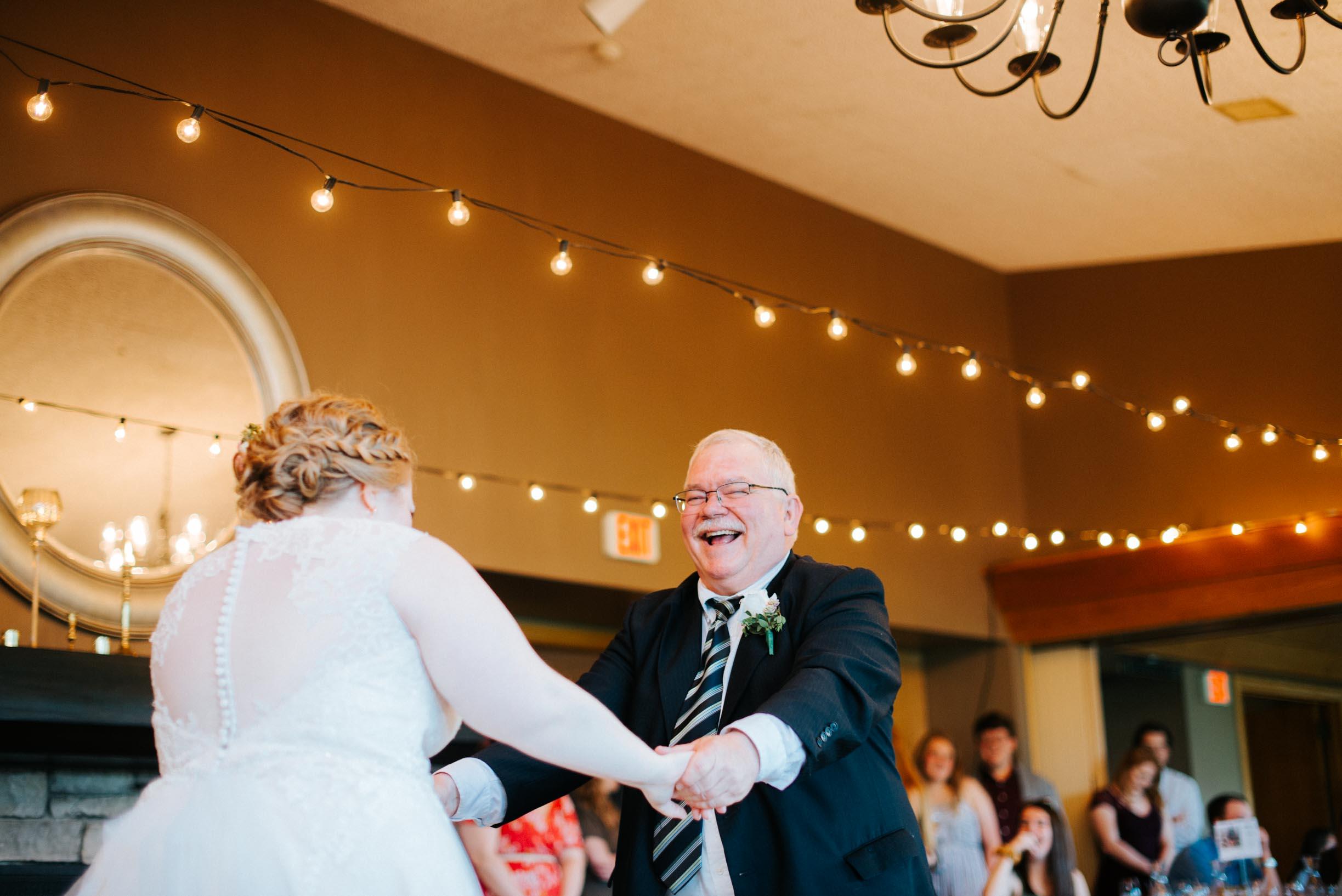 Hannah_Brandon_Wisconsin_Wedding-51.jpg