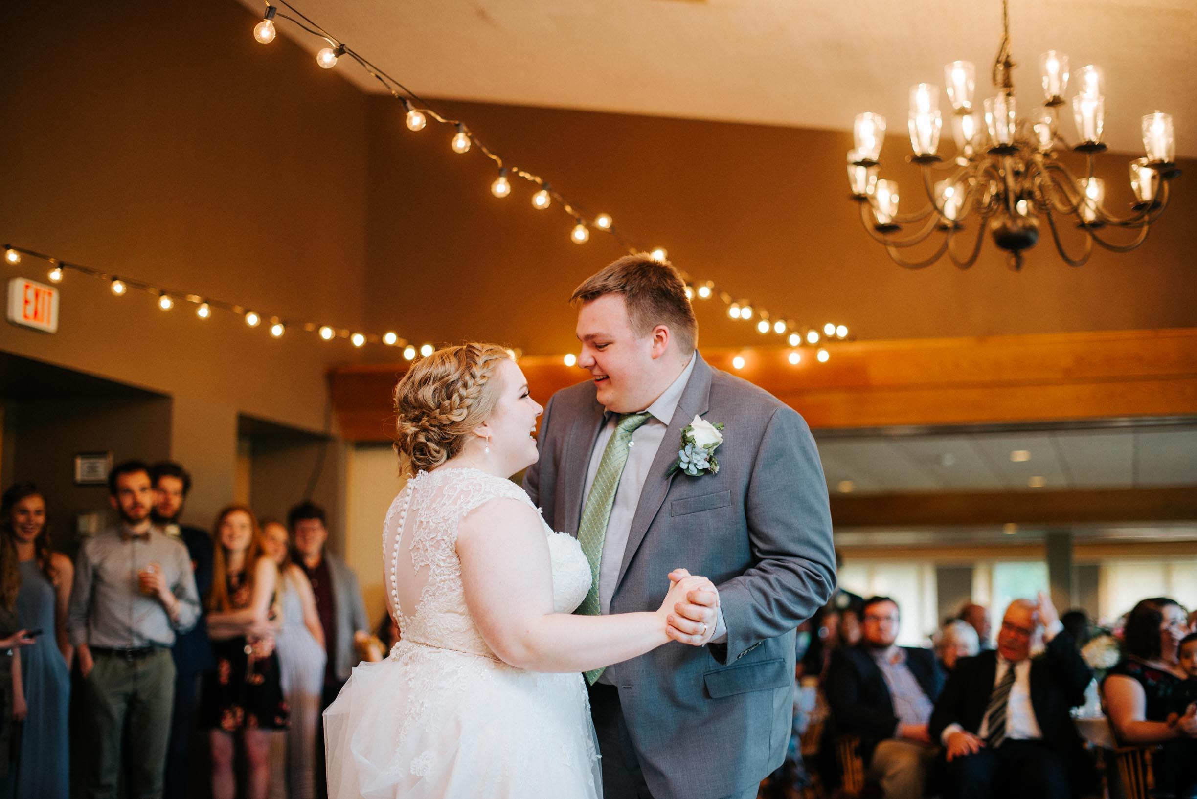 Hannah_Brandon_Wisconsin_Wedding-52.jpg