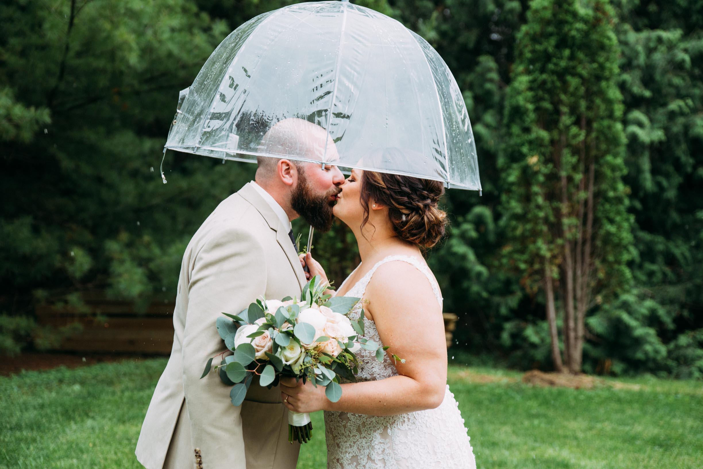 10-Jess_Jeremy_Minnesota_Wedding_First_Look.jpg