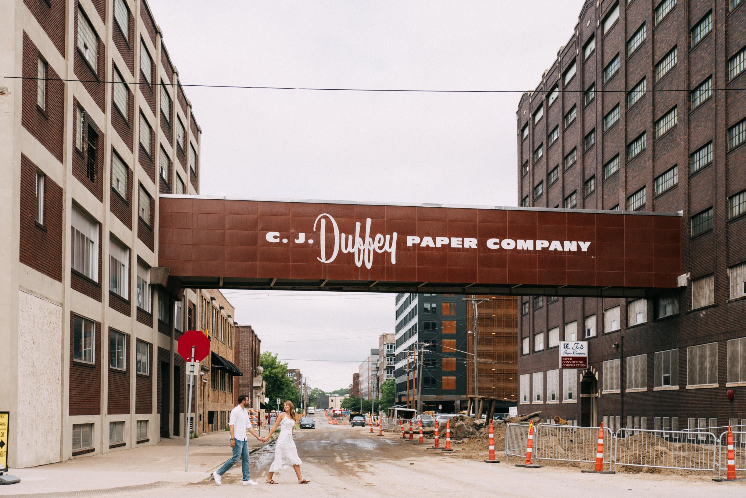 North_Loop_Minneapolis_Couple_Portraits_Blogpost-1.jpg