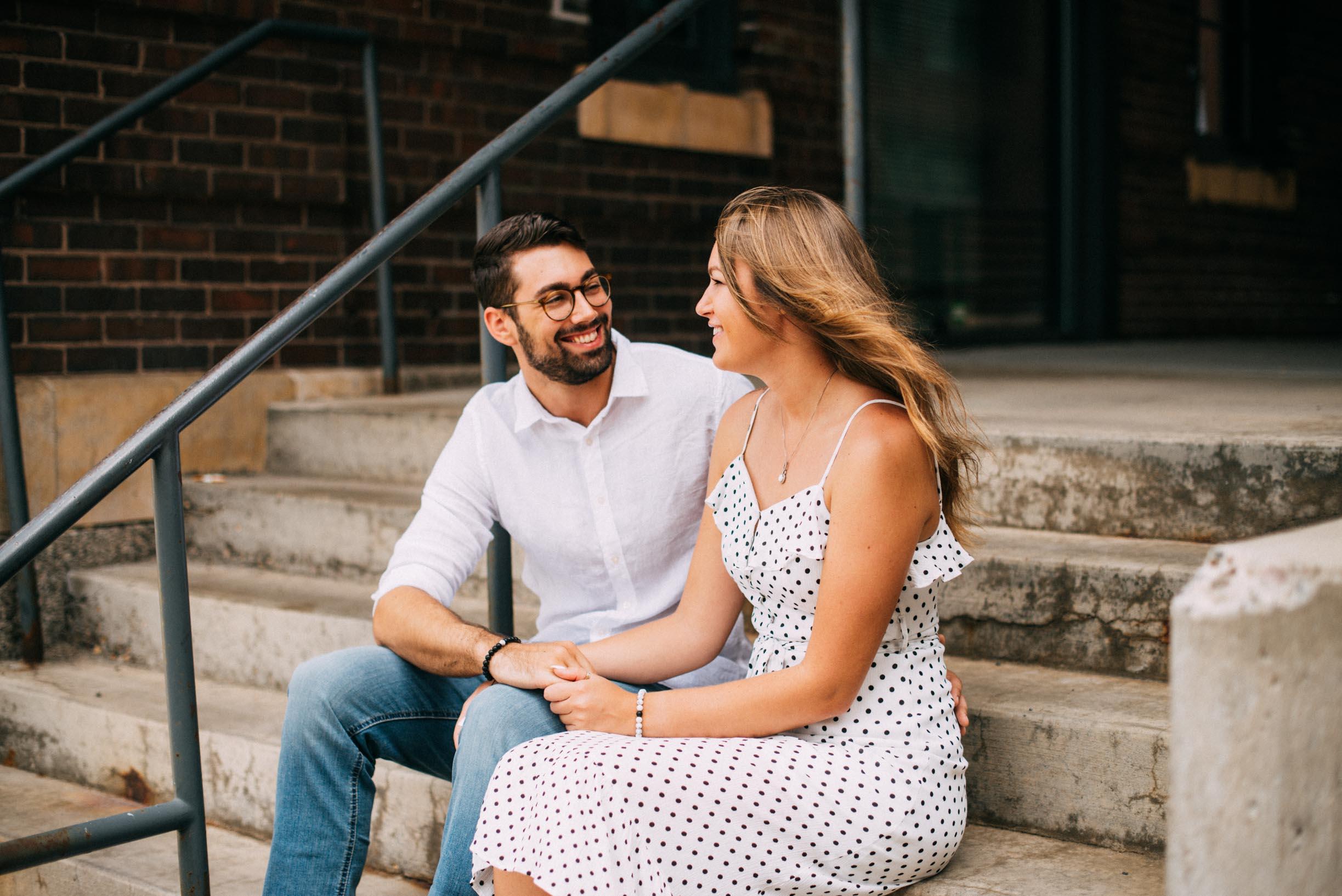 North_Loop_Minneapolis_Couple_Portraits_Blogpost-5.jpg