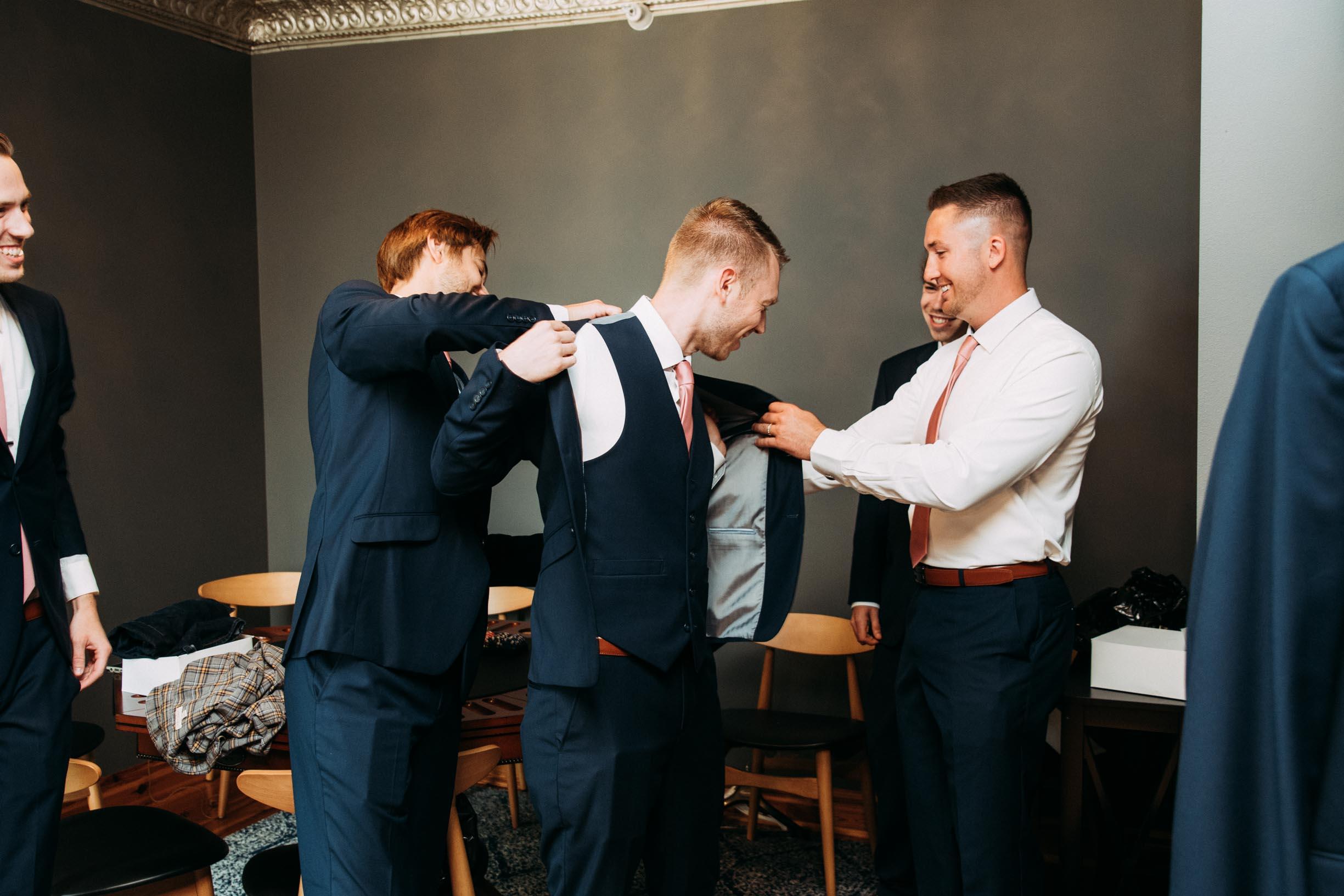 6-WeddingsattheBroz_Minnesota_WeddingBlog.jpg