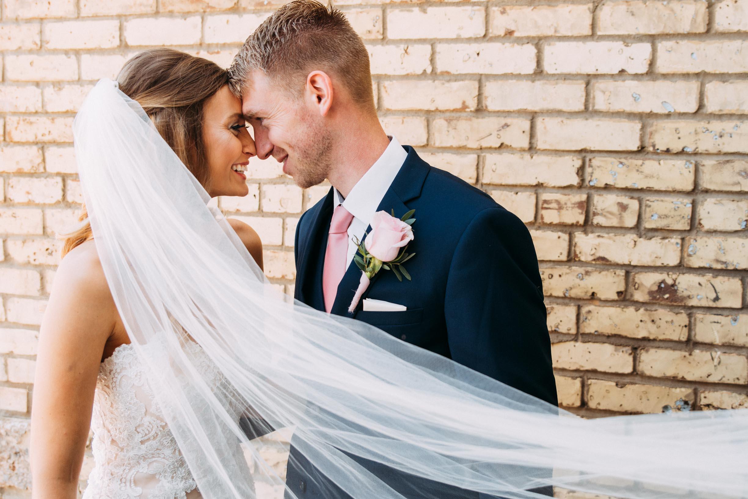 21-WeddingsattheBroz_Minnesota_WeddingBlog.jpg