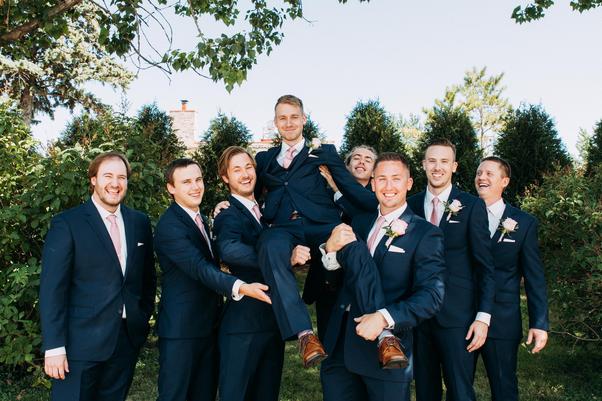 30-WeddingsattheBroz_Minnesota_WeddingBlog_WeddingParty.jpg