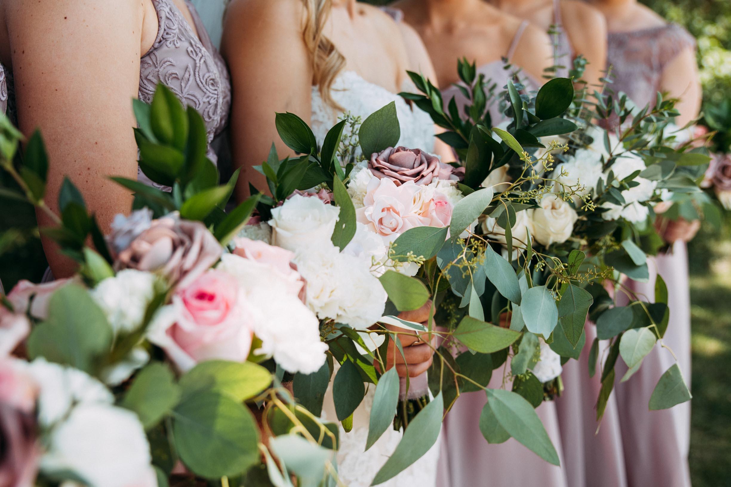 32-WeddingsattheBroz_Minnesota_WeddingBlog_WeddingParty.jpg
