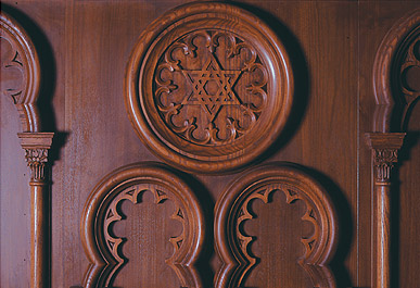 in 1998 studio gruss carved the moorish revival styled medallions and columns for central SYNAGOGUE, mimicking their 1870 original walls. -