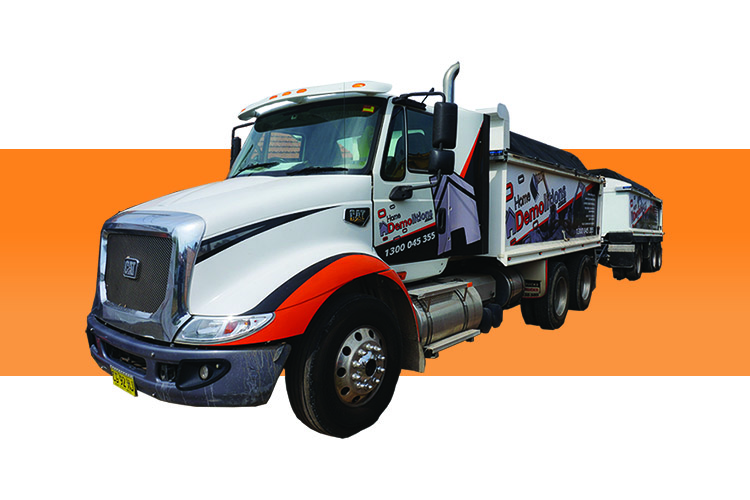 Cat CT600 Truck and Trailer