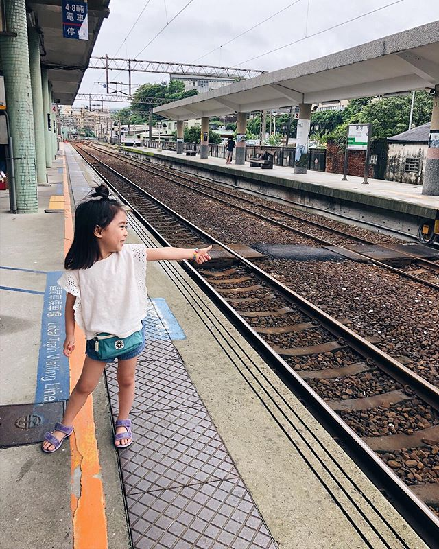 Our tiny traveler. 🚞
