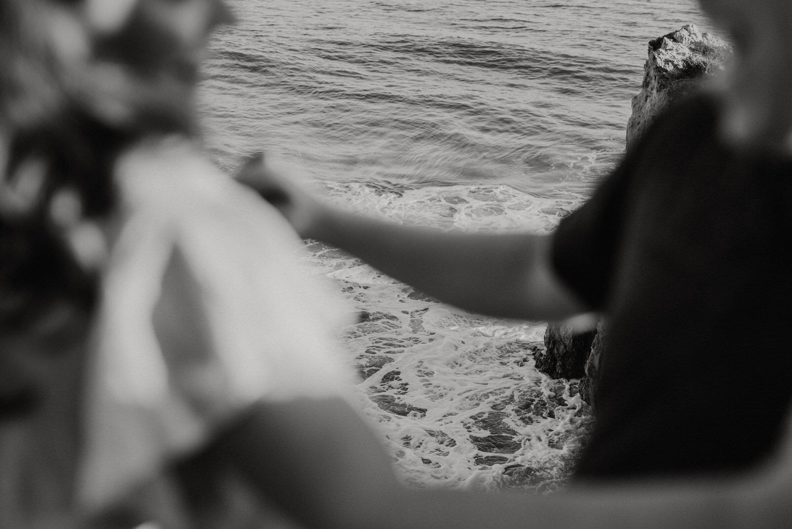 El-Matador-Beach-Engagement (54).jpg
