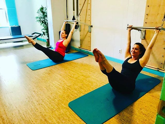 Wednesday's are for #pilates We have 3 regularly scheduled Pilates classes with @annmariego every Wednesday. Come try out our Mat or Equipment class! Signing up is easy through our website. Link in bio as always! Hope to see you soon 😃 photo cred: @annmariego  #pilatesstudio #yogastudio #secondstorymovement #jacksonheights #queens #nyc