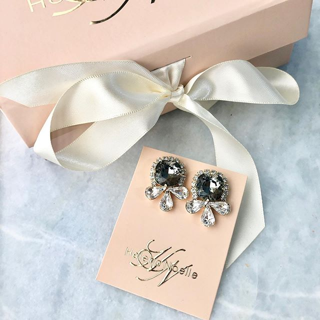 C L A I R E || A Classic HN design for RVA bride Betty #goldbridaljewelry #blackdiamond #custombridaljewelry #helenanoelleearrings #swarovski #bridalbling