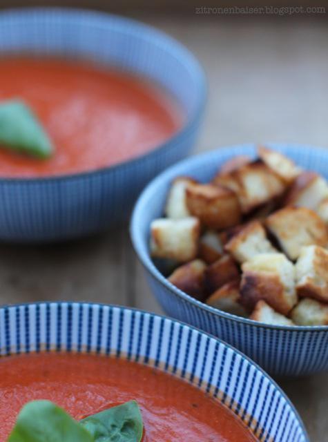 Sommerliches Suppenglück: Rezept für Tomatensuppe / THE.WAITRESS. Blog