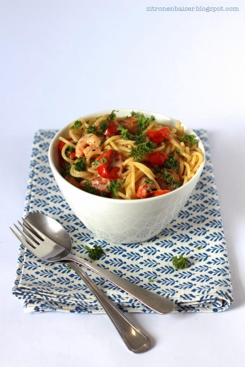 rezept_pasta_tomatensosse_shrimps_petersilie_zitrone3.jpg