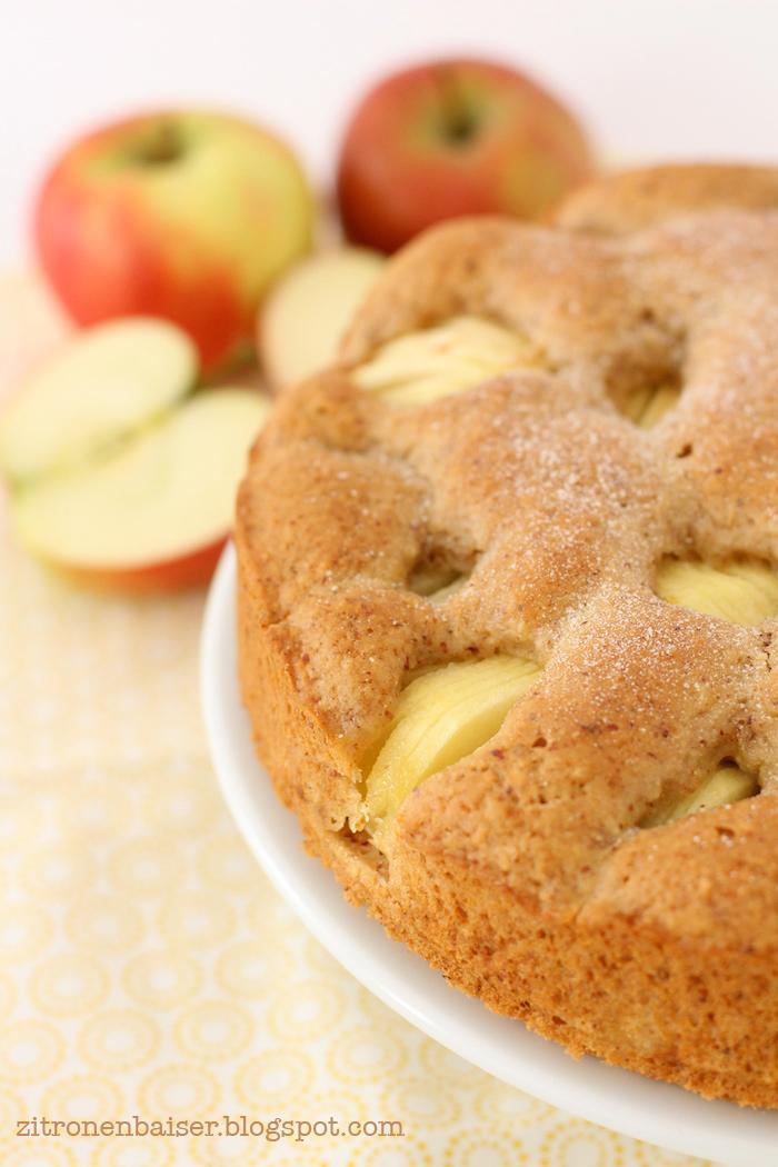Weltbester veganer versunkener Apfelkuchen / THE.WAITRESS.