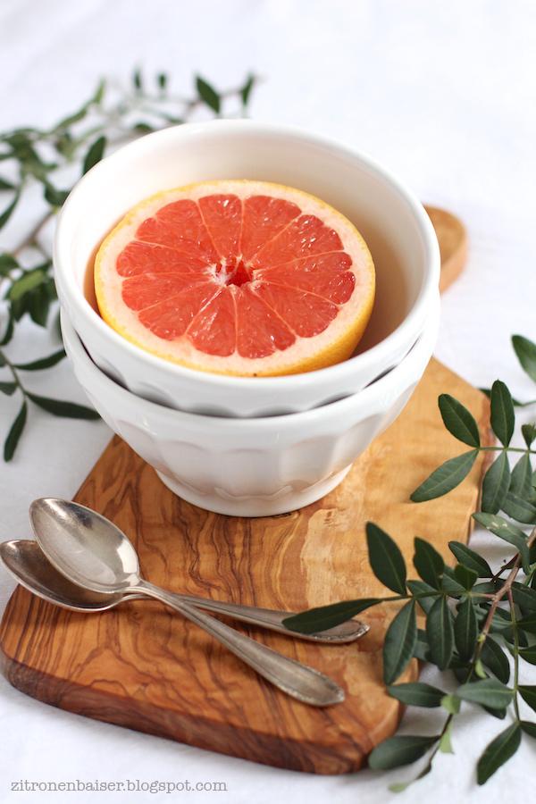 rezept-gebackene-grapefruit-mit-kokoscreme-zitronenbaiser-foodblog.jpg