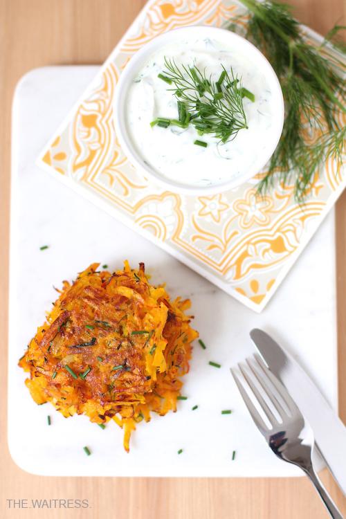 Rezept vegetarische Kürbispuffer mit Kräuterquark / Theresa Kellner