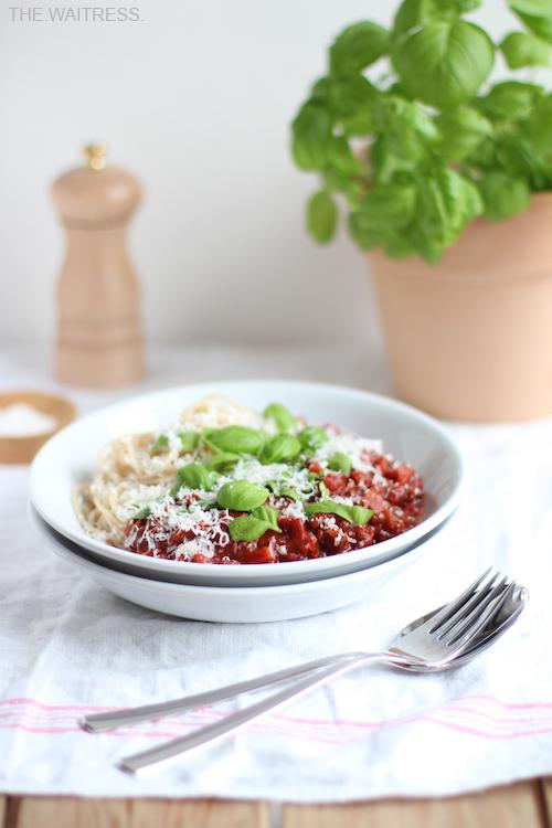 Rezept für vegetarische Linsen-Bolognese / THE.WAITRESS. Foodblog