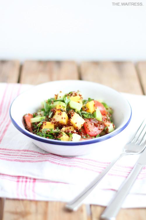 Rezept fuer Quinoa-Tabouleh mit Mango und Minze / THE.WAITRESS. Blog
