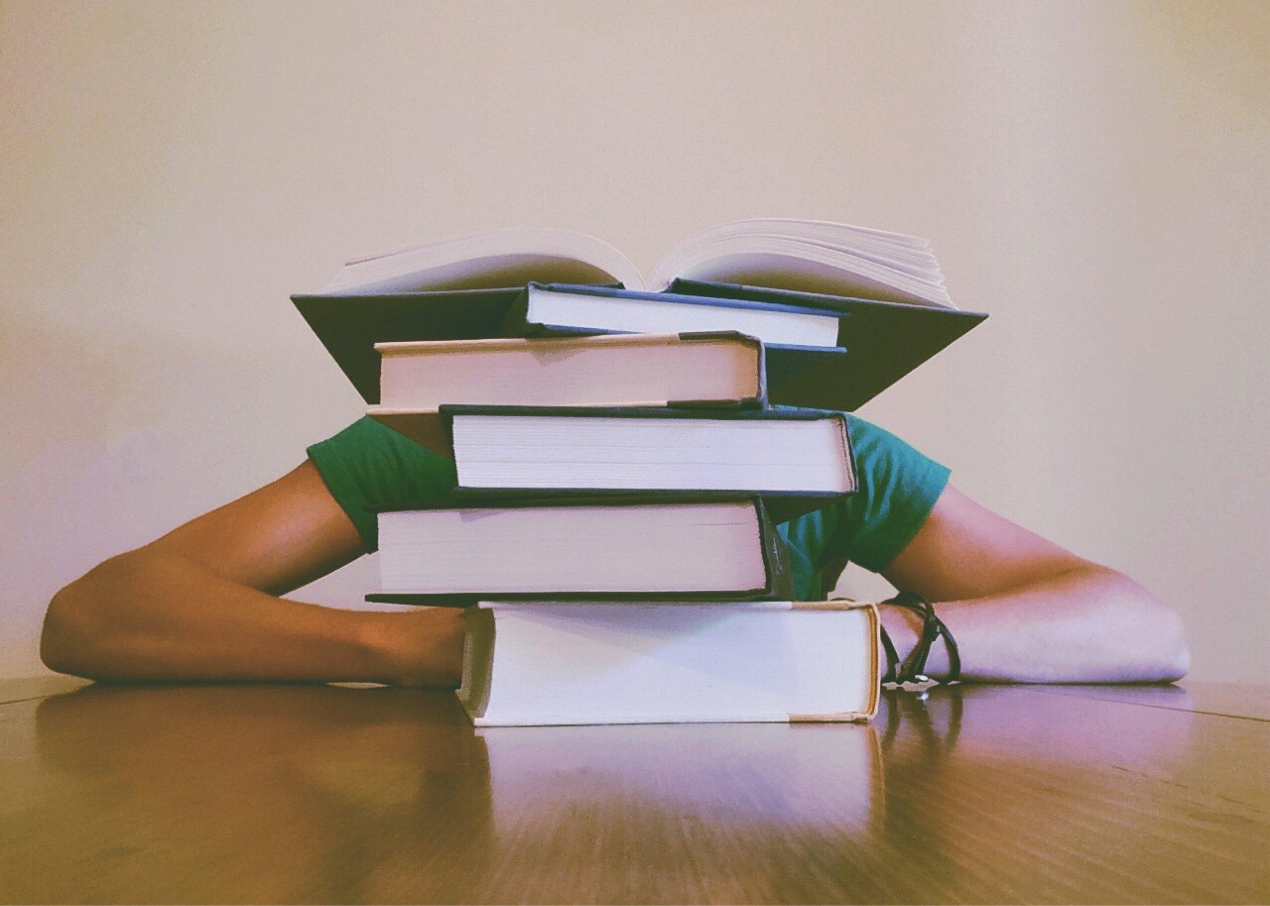 Lernen im Studium: Mit diesen Methoden geht's leichter! -