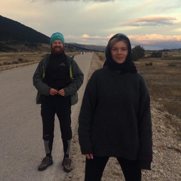 Hannah während eines Wandertrips durch Bosnien