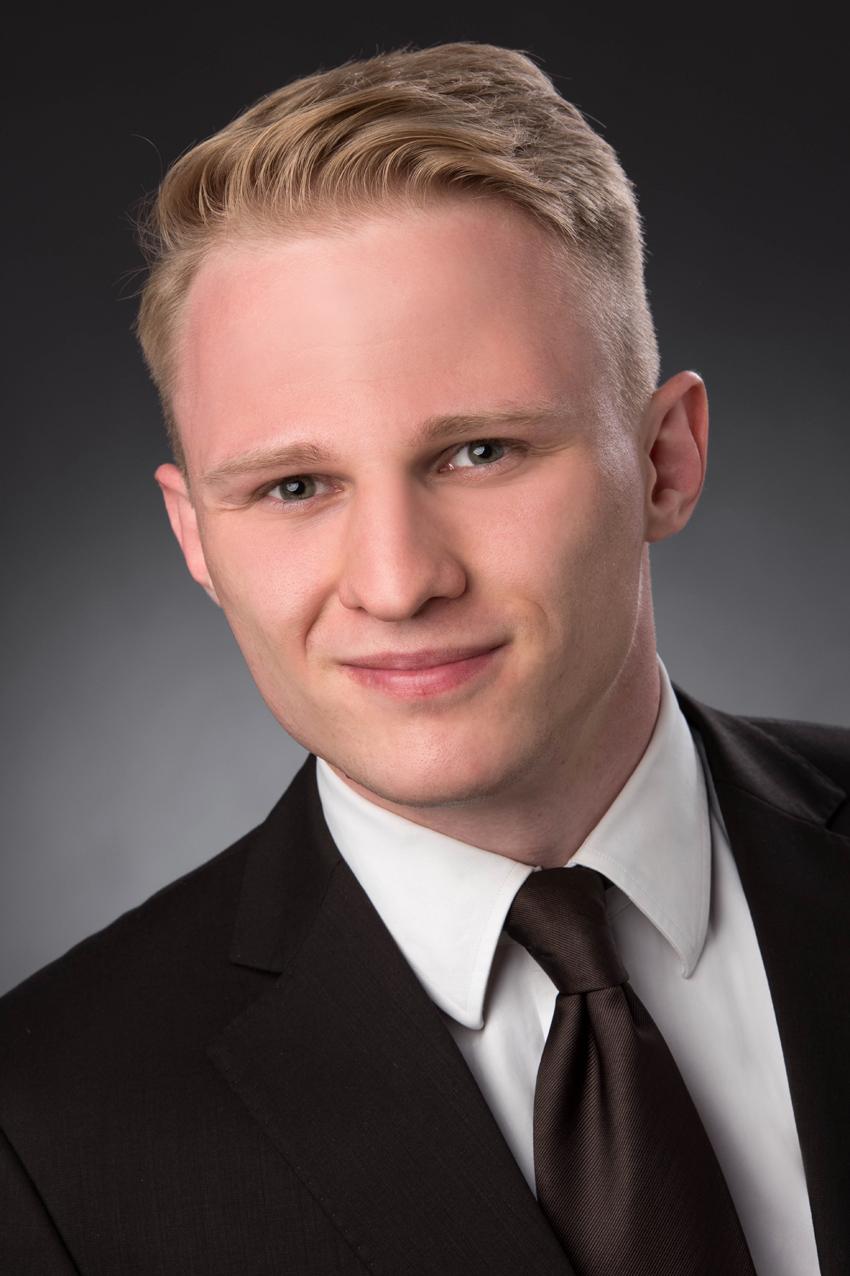 "Sebastian Gebski ist ""IT + X""-Trainee bei Dr. Oetker"