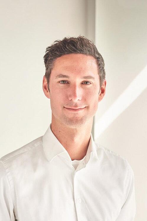 Falko Brinkmann ist Doktor der Physik und Consultant im Bereich Life Science bei Accenture.