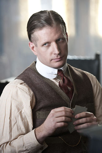 Paul Sparks with a rounded collar in Boardwalk Empire