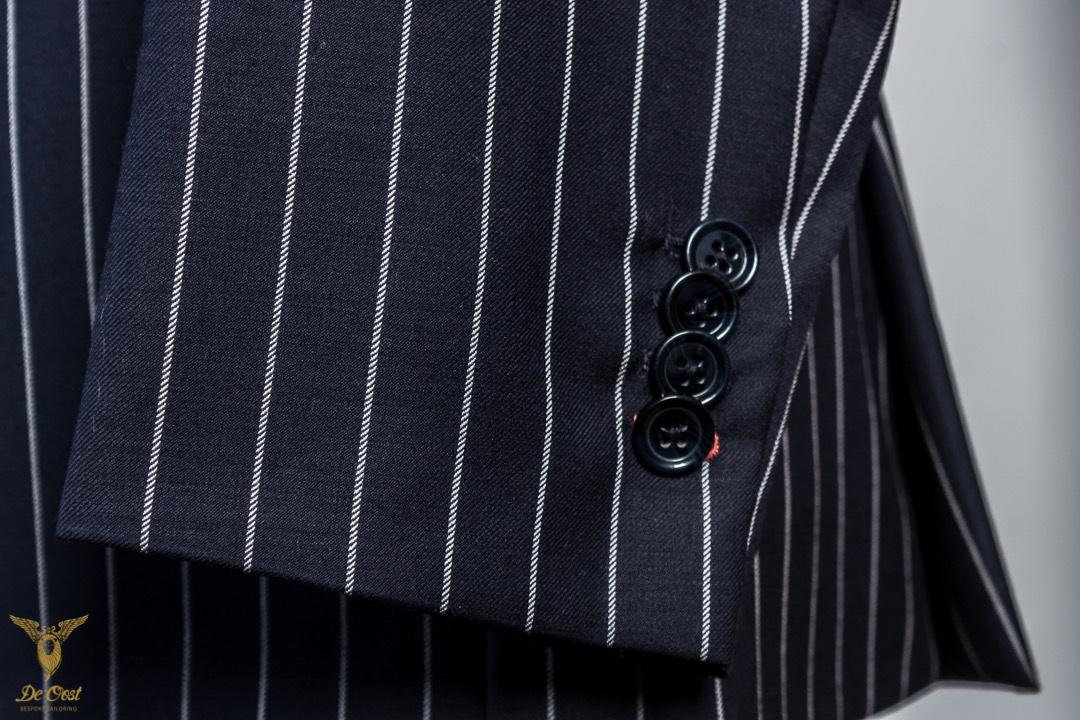 Krijtstreep+maatpak+super+120´s+broek+met+omslag+Chalk+Stripe+Suit+Tailored+280+gram+Huddersfield+Worsted++(20).jpg