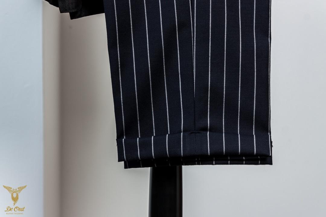Krijtstreep+maatpak+super+120´s+broek+met+omslag+Chalk+Stripe+Suit+Tailored+280+gram+Huddersfield+Worsted++(26).jpg