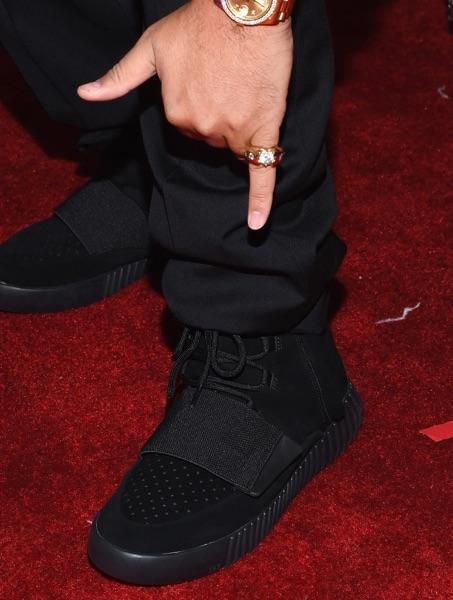 Tuxedo+With+Yeezy+Sneakers.jpg