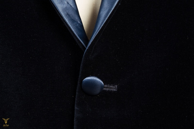 Blue+Velvet+Smoking+With+Light+Blue+Peak+Lapels+(15).jpg