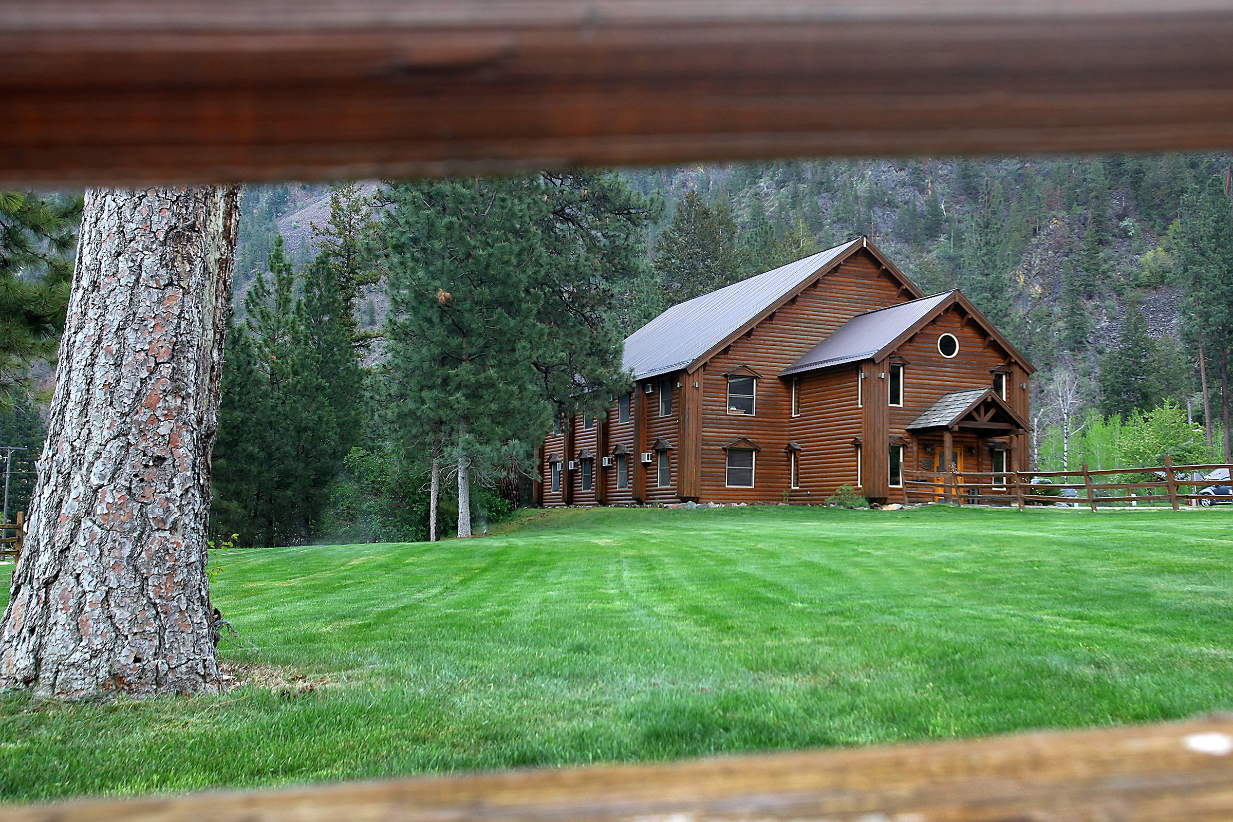 Glacier Lodge - This adults-only lodge offers a king-sized bed perfect for couples looking for an affordable getaway.