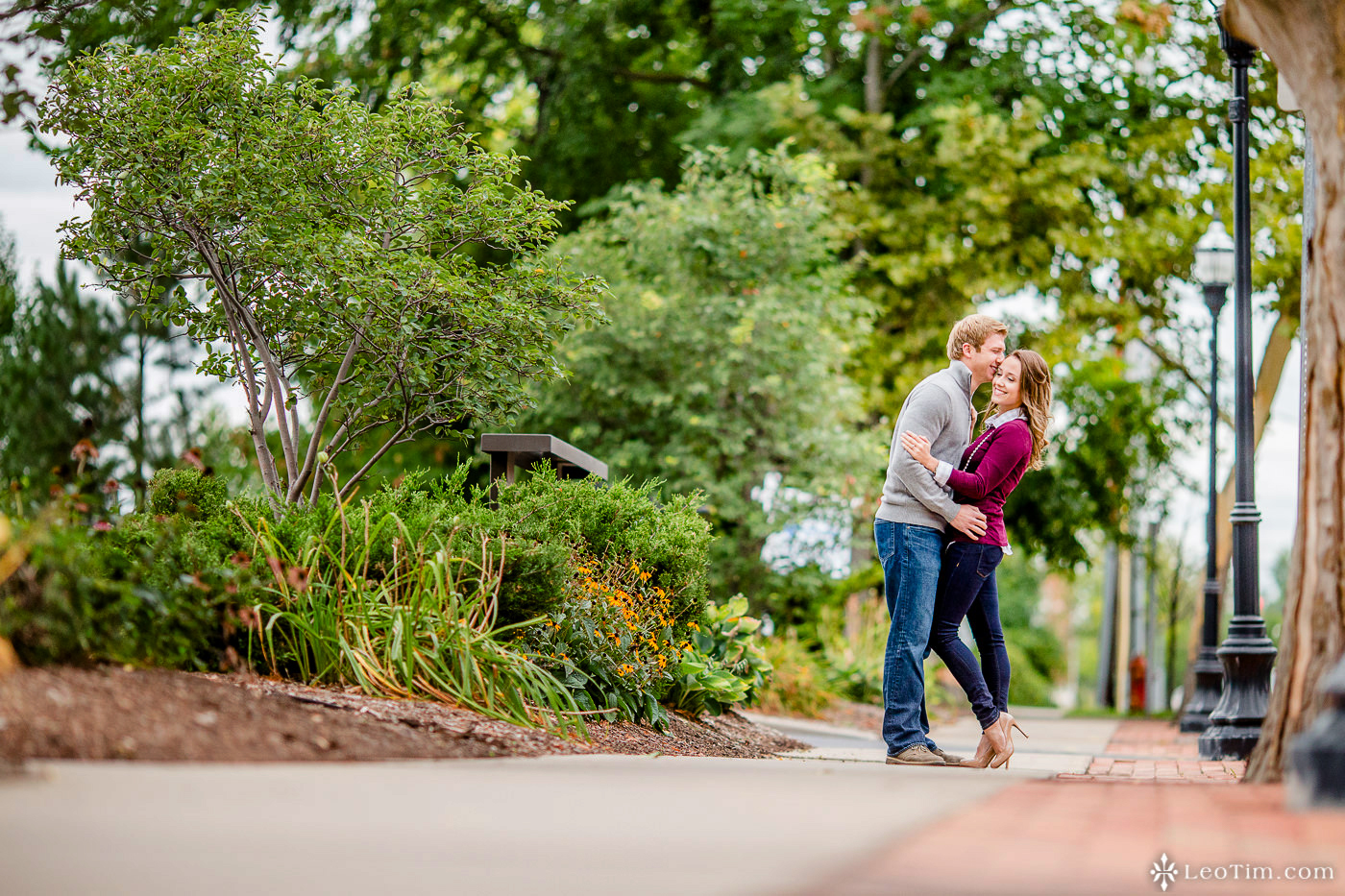 franklin-square-syracuse-engagement-photos-01.jpg
