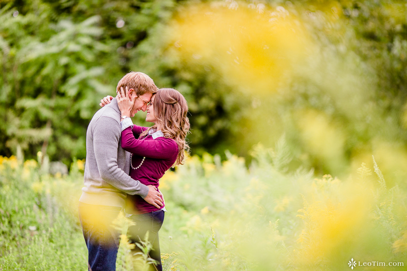 franklin-square-syracuse-engagement-photos-04.jpg